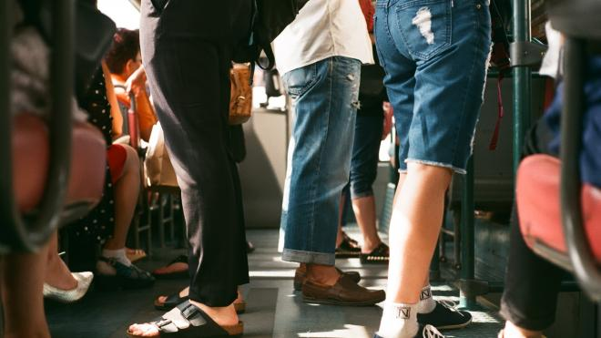 Пассажиропоток в подземке Петербурга вырос на 15% за последнюю неделю