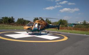 Двух человек из Выборгского района доставили в больницу на вертолете