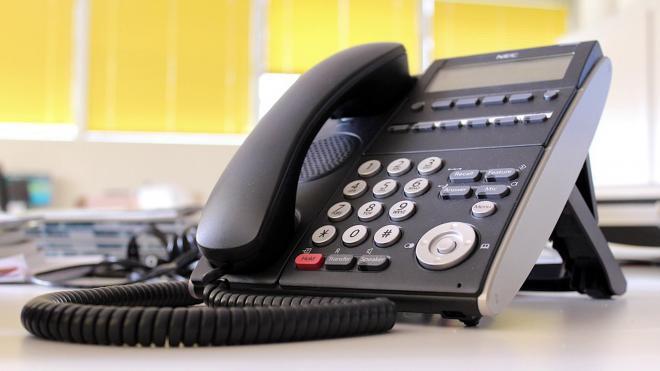 Эксперт объяснил, почему мошенники звонят и бросают трубку