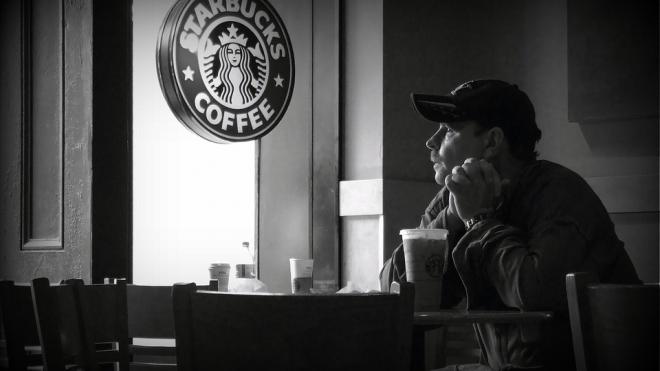 """Милонов назвал Starbucks """"гомодиверсантами"""" и потребовал разъяснений"""