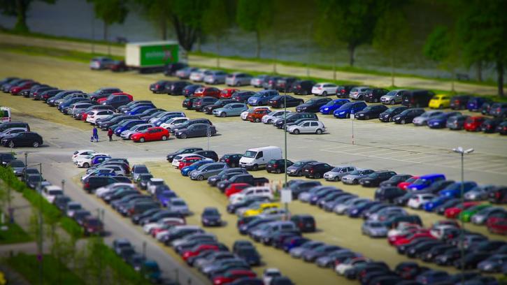 Петербургские автостоянки переведут на автоматическое обслуживание