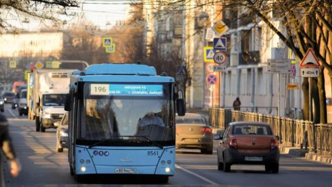 С 9 марта в Петербурге увеличат количество автобусов на популярных маршрутах