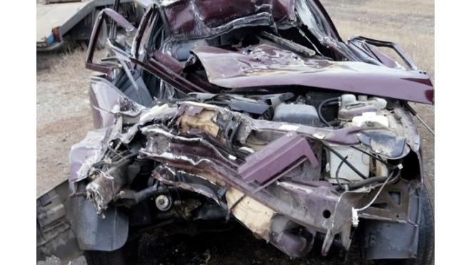 """ДТП на КАД: возле Вантового моста """"жигули"""" врезались в грузовик"""