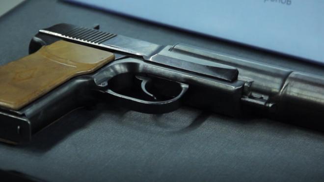 На Серебристом бульваре задержали мужчину, стрелявшего из пневматики по окнам