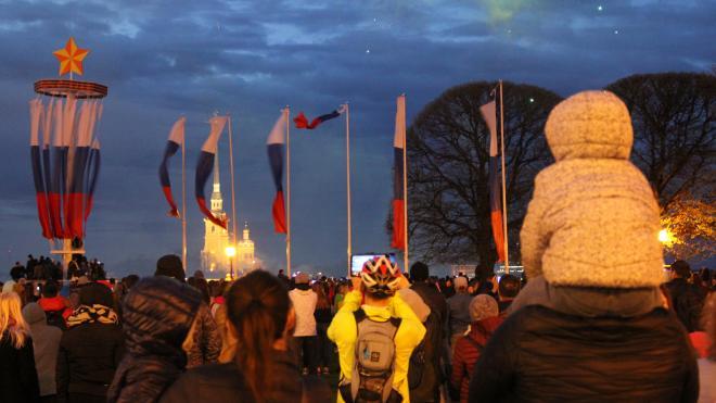 На массовые праздники в Петербурге выделили субсидии в размере 219 млн рублей