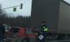 На Московском шоссе столкнулись две фуры и легковушка
