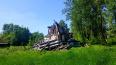 В Волхове уже около года не могут вывезти строительный ...