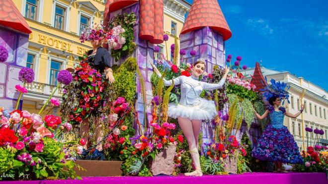"""В Петербурге готовятся к проведению """"Фестиваля Цветов"""""""