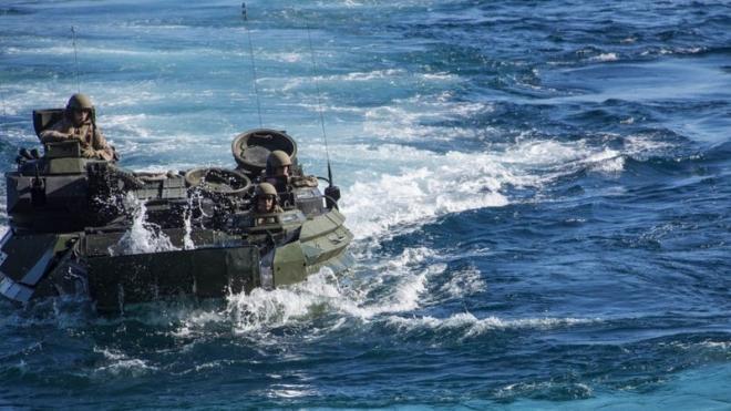В США после ЧП с боевой машиной амфибией 1 военный погиб и 8 пропали без вести