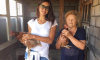 Ирина Шейк развлекается в курятнике