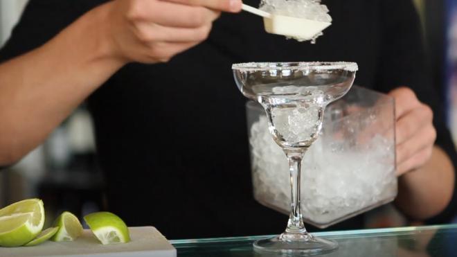 Нарколог назвал самый опасный алкогольный напиток