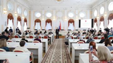 Смольный подарил новые квартиры 30 ветеранам ВОВ