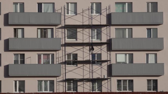В Светогорске ремонтируют фасады и крыши домов