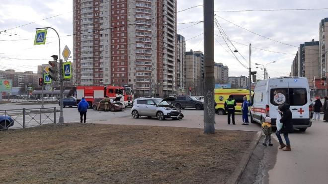 В ДТП с несколькими машинами в Приморском районе пострадали люди