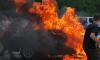 На Новочеркасском водителя зажало в горящем автомобиле