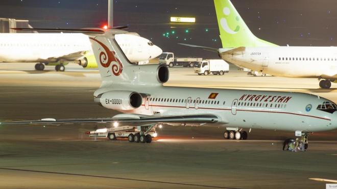 Президент Киргизии не смог вылететь из Петербурга с первой попытки