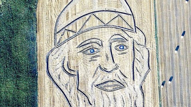 К приезду Путина итальянский художник с помощью трактора нарисовал на поле князя Владимира