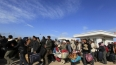 Поток беженцев вынуждает Францию пересмотреть Шенгенское ...