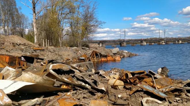 Три стройки на Васильевском острове оштрафуют за создание незаконных свалок мусора