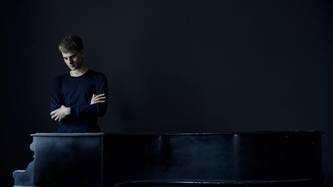 Пианист Александр Болотин даст концерт в Петербургской филармонии