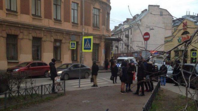 Эвакуировали университет имени Герцена из-за сообщения о бомбе