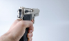 Пьяный петербуржец размахивал пистолетом перед посетителями ТЦ