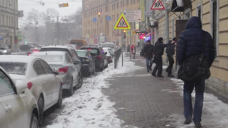 Жилищный комитет: очищено 75 процентов внутридворовых территорий от снега