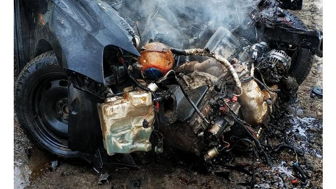 Страшное ДТП: в Ленобласти на полном ходу столкнулись иномарка и автобус
