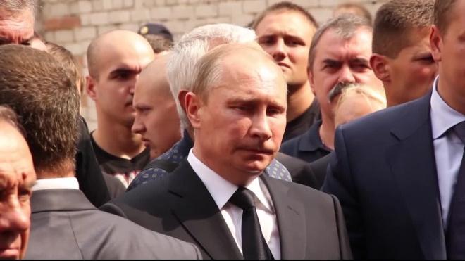 Путин принялучастие в закладке двух фрегатов в Петербурге