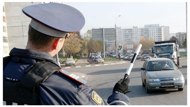 На жителя Азербайджана завели дело за попытку откупиться от инспектора ДПС