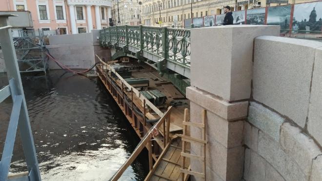 Из-за ремонта Зеленого моста ограничения для движения транспорта на Невском сохранятся до середины лета