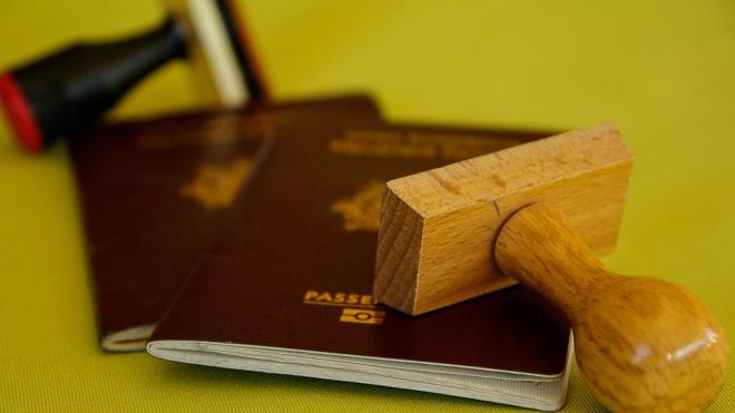 Россияне стали чаще получать загранпаспорта