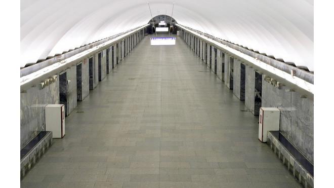 """В метро рассказали, зачем нужны дополнительные двери на станции """"Московской"""""""