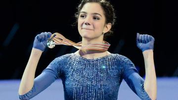 Евгения Медведева выиграла чемпионат России с мировым рекордом