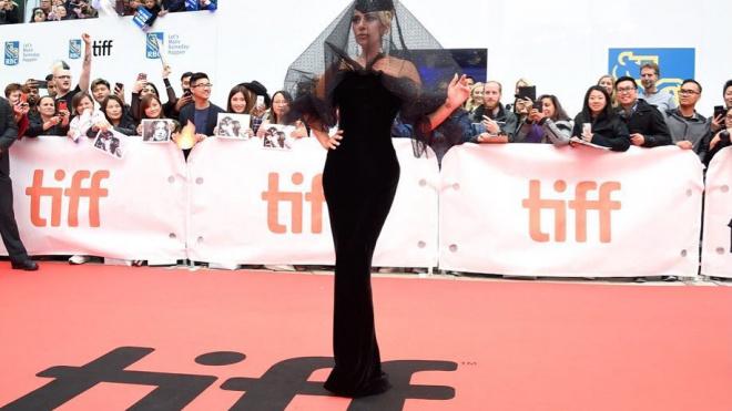 Леди Гага выходит замуж за своего 49-летнего агента