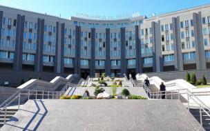 В трёх больницах Петербурга приостановили прием пациентов из-за пандемии коронавируса