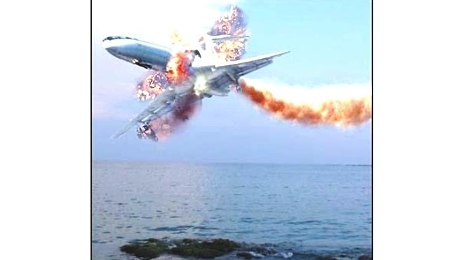 Индонезийский самолет рухнул в море. Все пассажиры погибли