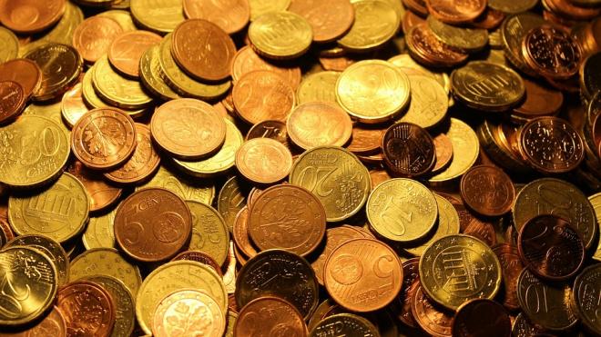 Центробанк России повысил стоимость доллара и евро