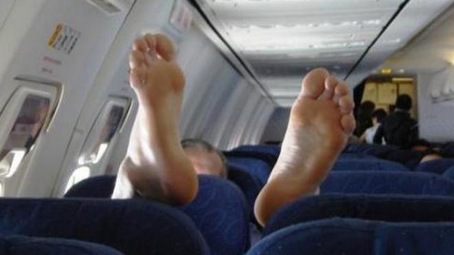 На борту рейса Казань – Москва нетрезвый мужчина разгромил туалет