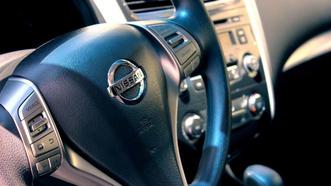 Nissan уходит в отпуск и сокращает штат