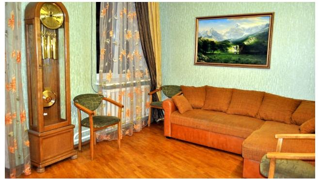 Посуточная аренда жилья в Петербурге подорожала вполовину, долгосрочная - подешевела
