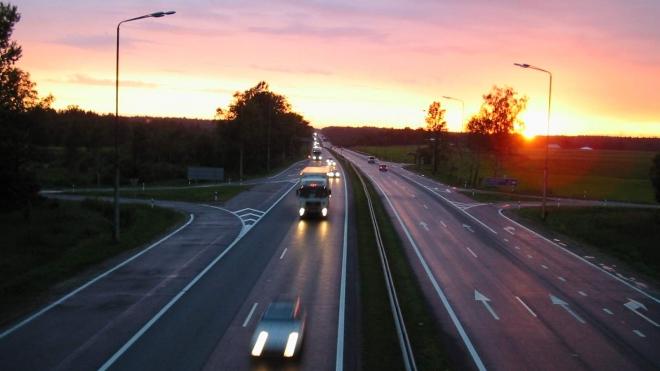 Двое погибли в ДТП на «Скандинавии», врезавшись в припаркованное авто