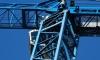 В Петергофе на стройке рухнул башенный кран: погиб строитель
