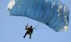 Во время полевых сборов разведчики ЗВО прыгали с парашютом более 1,5 тысяч раз