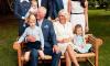 Обложку нового номера The Sunday Times украсила фотография принца Чарльза с внуком Луи