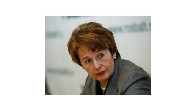 Оксану Дмитриеву атакуют избиркомы