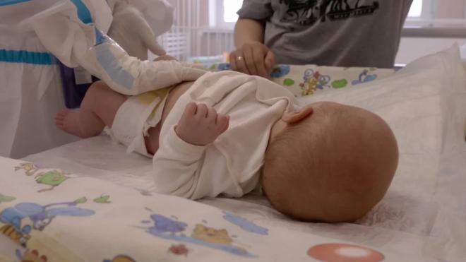 Стала известна судьба малыша, вся семья которого скончалась от коронавируса