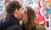 Студентам СПбГУП запретили поцелуи и объятия из-за коронавируса