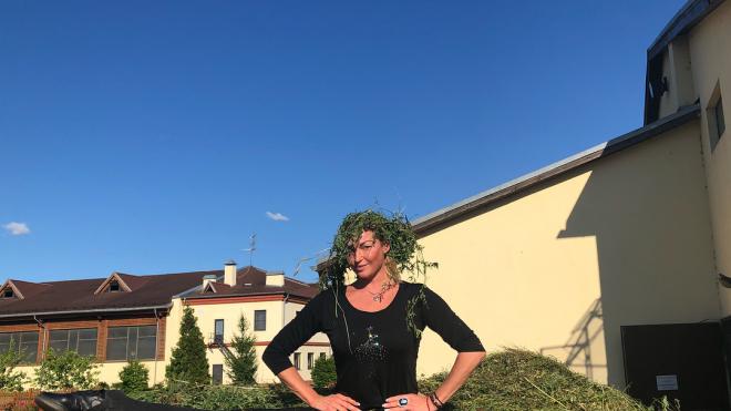 Сено вместо головы: Волочкова снова смешит подписчиков