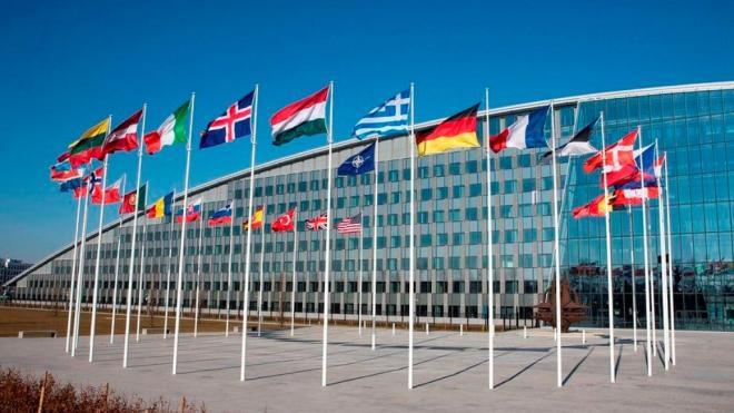 Чехия обсудит с НАТО отношения Москвы и Праги